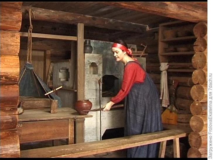 Русская курная печь в избе. Фото с сайтаcat.convdocs.org