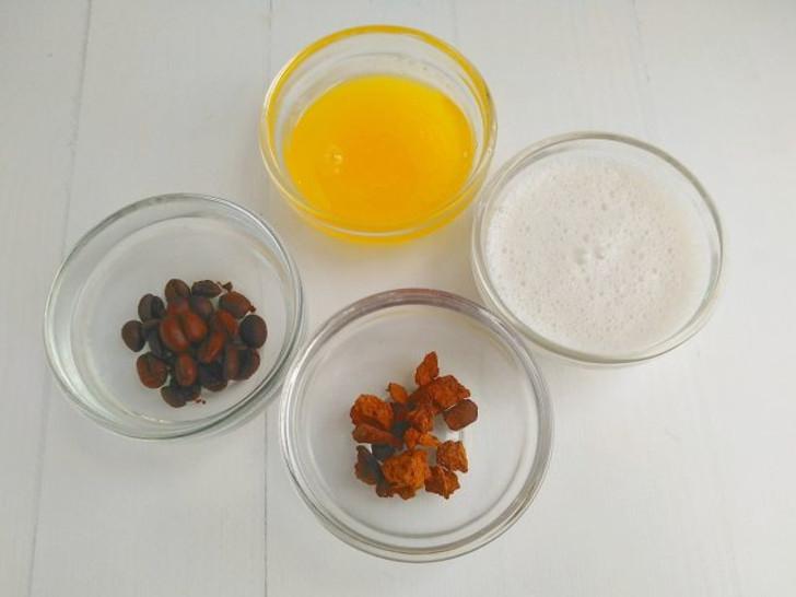 Готовим ингредиенты для латте с чагой