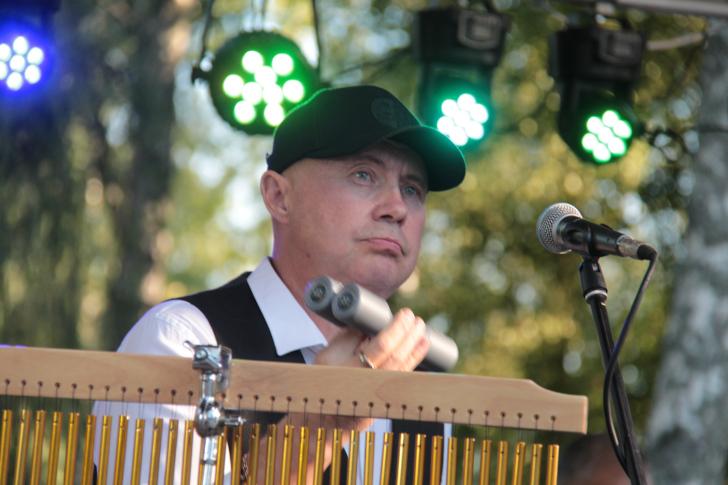 Андрей Градов (перкуссия, вокал)