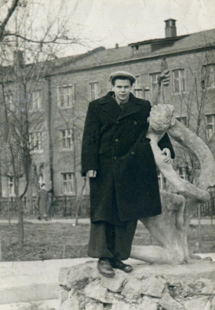 Кленов Юрий Александрович (Первомайский сквер)