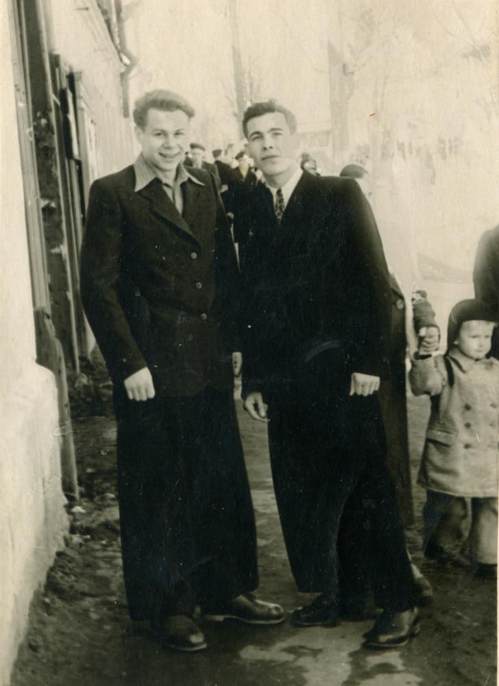 Кленов Юрий Александрович (с другом)