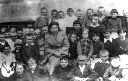 Фотографии оставленные в заброшенных домах (Фото из архива В.Кузьмина)