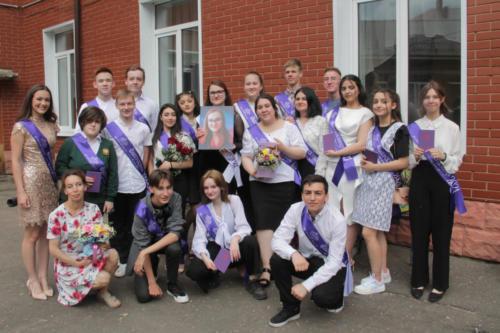 Вручение аттестатов, МОУ профильная школа №4 (фото В.Кузьмин, 2021 год)