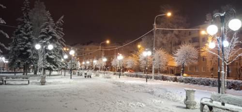 г.Клин, сквер Афанасьева зима 2020/2021 год (Фото В.Кузьмин)