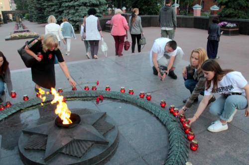 Свеча памяти (фото В.Кузьмин, июнь 2021 года)