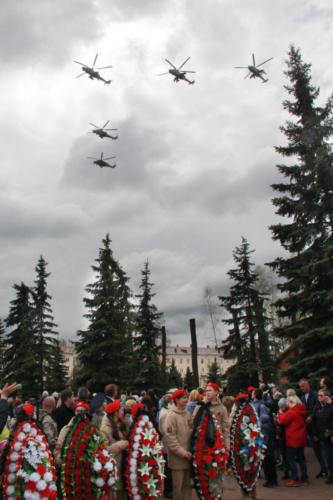 Торжественное празднование 9 мая - Дня Победы в Клину на Мемориале славы у Вечного огня (9 мая 2021 года, фото В.Кузьмин)