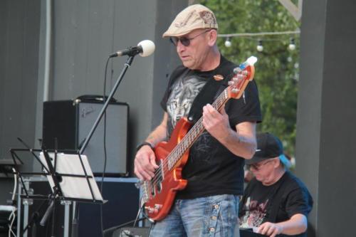 Группа «Бумеранг», концерт «Я остаюсь, чтобы жить» в Сестрорецком» парке (фото В.Кузьмин, август 2021)