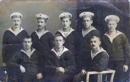 Команда корабля Император Петр Великий (фото из архива В.Кузьмина)