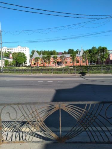 Торговые ряды, фонтан «Девочка-грибница» (фото infoce-klin.ru, май 2021 года)