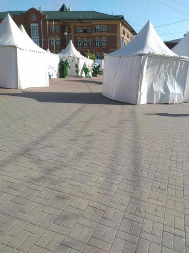 Торговые ряды, ярмарка (фото infoce-klin.ru, май 2021 года)